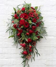 Bildergebnis für stroiki na cmentarz Christmas Wreaths, Holiday Decor, Home Decor, Flowers, Decoration Home, Room Decor, Home Interior Design, Home Decoration, Interior Design