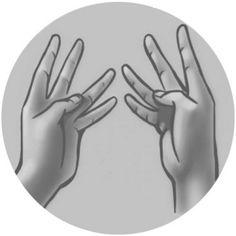 Пуута-мудра для очищения от шлаков и токсинов Будет полезной, если ты сидишь на диете, ведь это одна из мудр, способствующих похудению!Прикоснись кончиком большого пальца к боковой поверхности третьей фаланги безымянного пальца. Остальные пальцы расставь в стороны.