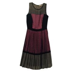 just in. Halogen dress Pleated size 2P dress. Fully lined. Hits knee length. Please ask any questions before purchasing. Halogen Dresses