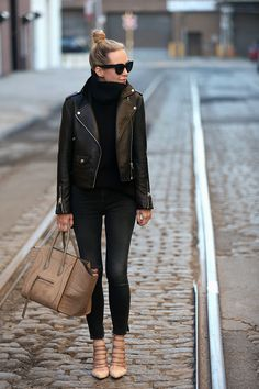 My Closet Essentials For Fall Fall Outfit Inspiration, Leather Jacket, Helena of Brooklyn Blonde The post My Closet Essentials For Fall appeared first on Fall… Brooklyn Blonde, Black Leather Jacket Outfit, Biker Jacket Outfit Women, All Saints Leather Jacket, Jacket Men, Casual Fall, Autumn Winter Fashion, Skinny, Winter Outfits