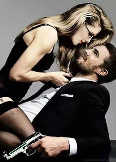 "Felicity and Oliver in ""Arrow"" TV series Arrow Felicity, Felicity Smoak, Team Arrow, Arrow Tv, Emily Bett Rickards, Movies And Series, Dc Movies, Green Arrow, Matthews Rhys"