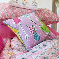 Cojines para las habitaciones de los niños y las niñas. Designers Guild http://www.mamidecora.com/complementos_designers_cojines.html