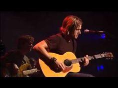 Keith Urban - Making Memories of Us  ( Live ) | http://pintubest.com