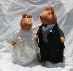 Patico Felt Wedding Mice, A Sweet Vintage Mouse Couple - Bride and Groom