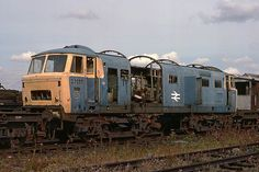 Pioneer Hymek awaits its fate in the scrap line at Swindon works on Union Pacific Train, Train Pictures, Diesel Locomotive, Urban Exploration, Urban Decay, Abandoned, Scrap, London, Vehicles