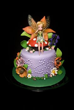 really like this cake not so much the doll but do love the cake