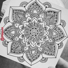 Mandala Doodle, Mandala Art Lesson, Mandala Artwork, Mandala Drawing, Mandala Tattoo, Mandala Tapestry, Dibujos Zentangle Art, Zentangle Drawings, Doodle Drawings