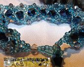 Meraviglioso braccialetto blu. Luminosita' e classe