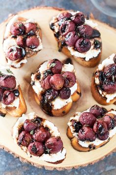 Roasted Grape & Balsamic Crostini - Cake 'n Knife