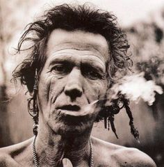 View Keith smoking by Anton Corbijn on artnet. Browse upcoming and past auction lots by Anton Corbijn. Annie Leibovitz Photos, Annie Leibovitz Photography, Keith Richards, Black And White Portraits, Black And White Photography, Famous Photographers, Portrait Photographers, Photo Star, Photo Portrait