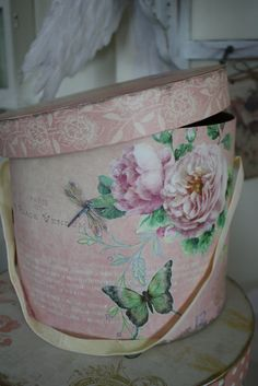 *Elegant fabric covered hat boxes