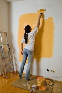Jaký je postup při malování válečkem Colours, Stock Photos, Image, Flat, Woman, Home Decor, Bass, Decoration Home, Room Decor