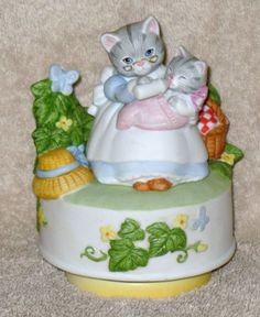 KITTY CUCUMBER MUSIC BOX GRANDMA AND BABY  B. Shackman Schmid