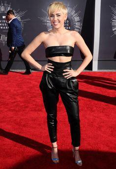 Le look de Miley Cyrus sur le tapis rouge des MTV Video Music Awards