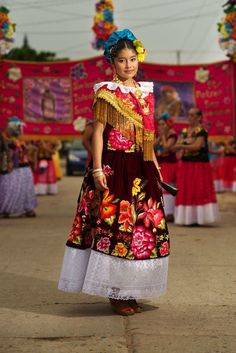 Oaxaca teenager at a Weekend street party