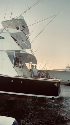 The best in Yacht Photography and Fishing Photography in Miami and all of South Florida. Gone Fishing, Best Fishing, Fishing Tips, Fishing Lures, Fishing Yachts, Sport Fishing Boats, Fishing Charters, Fishing Photography, Drone Photography