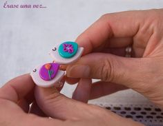 Cute birds...I think I need a pair for earrings! Some nice, simple ideas here:  Found on maria-eraseunavez.blogspot.com