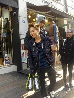 Xiumin & Luhan out on the town and looking absolutely adorable