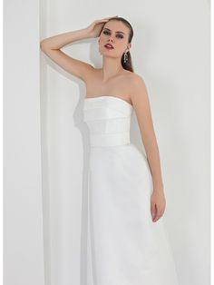 Robe n°503 - Collection White and Pure Apple 2015 de Pepe Botella - Robe de mariée bustier  * Jaimemarobe.com * Votre robe de mariée est précieuse. Pour qu'elle reste aussi belle que dans vos souvenirs, préservez-la dans nos coffrets d'exception inspirés des techniques muséales.