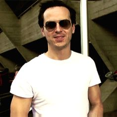 Andrew Scott, WHY CAN'T I HATE YOU?! Oh, this must be why... [gif]