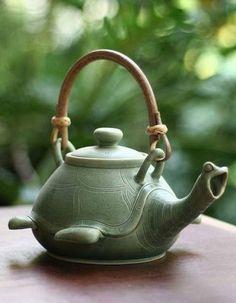 Turtle teapot #PutDownYourPhone #carde