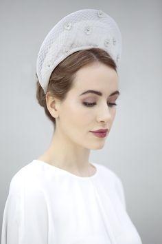 Halo Crown - Enia https://maggiemowbraymillinery.co.uk/bridal-millinery/halo-crown-enia