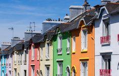 Brest, ville dynamique aux portes de l'océan. Que l'on soit étudiant, militaire ou jeune actif, la ville de Brest a de nombreux atouts à faire valoir auprès des nouveaux arrivants. La « cité du Ponant » est en effet l'une des villes les plus dynamiques de Bretagne.