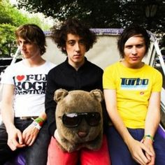 The Wombats. New obsession. The Wombats, Music Jokes, Julian Casablancas, Daft Punk, Alternative Music, Film Music Books, Fun To Be One, Music Is Life, Musica