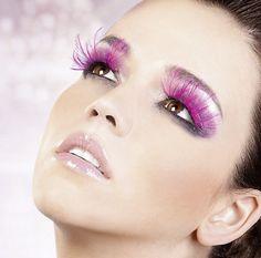 Get ready for prom 2013 with these hot makeup looks Makeup Tips Smokey Eye, Smokey Eyes, Natural Eye Makeup, Bridal Makeup For Blue Eyes, Blue Eye Makeup, Makeup Lips, Feather Eyelashes, Fake Eyelashes, Make Up Looks