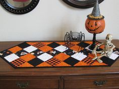 Halloween table runner. I want this!!