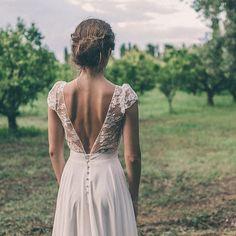Suite et fin du mariage de Sandra en Corse, et le dos vertigineux de la robe Clementine.  #madeinfrance #realbride #elisehameau #wedding #regram @julien_navarre