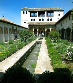 Patio de la Acequia - Jardines del #Geralife #Alhambra #Granada