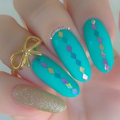 oh so pretty carnival nail design but I think the midring set it off imo #bow