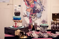 Pirate party table setting and cake
