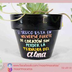 Clay Pots, Cool Gifts, Flower Pots, Diy And Crafts, Cactus, Planter Pots, Succulents, Crochet Stitches, Plants