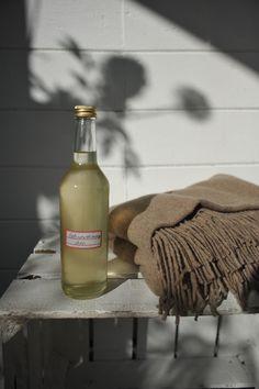 Holunderblütensirup schützt vor Erkältung…