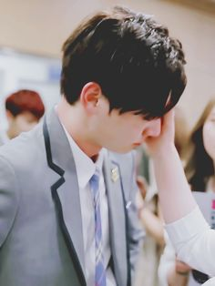 Who's that wiping his tears? Cause I want to thank that person for trying to comfort Kookie!