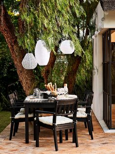 10 Money Saving Outdoor Room Tips - House of Valentina Ikea Outdoor Table, Outdoor Rooms, Outdoor Living, Outdoor Decor, Small Space Interior Design, Interior Design Living Room, Ikea Exterior, Ikea Home, Back Patio