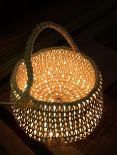 After making a rug I made a basket to match. Two lighted ropes and cotton rope. Simple increase for base then crochet in front loop only for one round. No increases for consecutive rounds. Single crochet two rows for handle. Crochet Diy, Crochet Rope, Single Crochet, Cotton Crochet, Luz Led Diy, Diy Craft Projects, Crochet Projects, Project Ideas, Led Light Projects