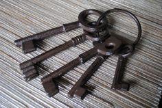 Rustic Cast Iron Skeleton Keys