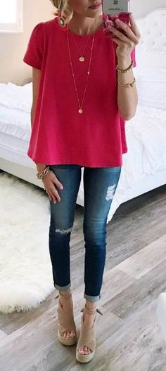 Spring Basics Addiction: 50 Trendy Outfit Ideas To Go With pink top + rips spring uniform Spring Summer Fashion, Spring Outfits, Trendy Outfits, Autumn Fashion, Fashion Outfits, Womens Fashion, Love Fashion, Jean Outfits, Latest Fashion