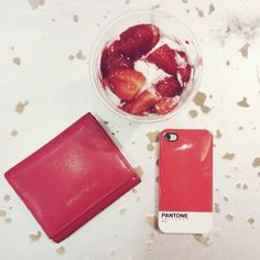 #iphone #case #pantone #red