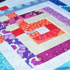 How to do Big Stitch Hand Quilting with Perle Cotton tutorial Hand Quilting Designs, Quilting Tips, Quilting Tutorials, Quilting Board, Machine Quilting, Quilting Projects, Sewing Tutorials, Embroidery Designs, Sewing Projects