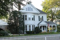 Maddiebella Home : Martha's Vineyard Homes. Colonial and Victorian at same time.