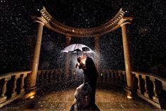 """30 photos magnifiques qui illustrent le proverbe """"mariage pluvieux, mariage heureux"""""""