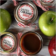 Looking for healthy and homemade Christmas food gifts ideas? Have a look at this collection of most delicious Christmas food gifts right here. Diy Gifts In A Jar, Easy Diy Gifts, Mason Jar Gifts, Mason Jars, Gift Jars, Simple Gifts, Christmas Jars, Homemade Christmas Gifts, Homemade Gifts