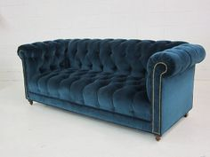 This is a custom Chesterfield Sofa we built and upholstered in luxurious blue velvet and adorned with brass nailheads. We are obsessed with building high quality, stylish furniture. 1970s Furniture, Classic Furniture, Velvet Furniture, Vintage Furniture, Furniture Ideas, Pink Sofa, Blue Sofas, Navy Sofa, Sofa Chester