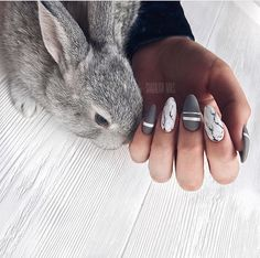 If you're looking for cute nail art designs for Easter, you're in the right place! Our collection of 32 Easter nail designs will certainly inspire you and stimulate your creativity. Your nails shouldn't be ignored this year. Love Nails, Fun Nails, Pretty Nails, Stiletto Nails, Glitter Nails, Coffin Nails, Instagram Nails, Disney Instagram, Easter Nails