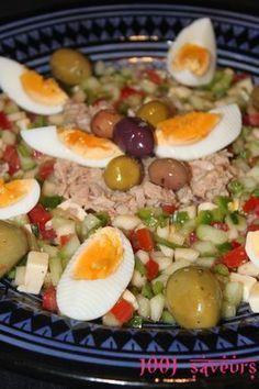 Slata tounsia (Salade tunisienne) I Love Food, Good Food, Plats Ramadan, Libyan Food, Tunisian Food, Algerian Recipes, Vegetarian Recipes, Healthy Recipes, Salty Foods