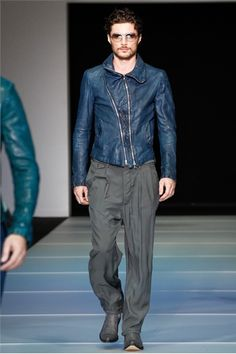 emporio armani runway   mens fashion   mens pleated trousers   mens style